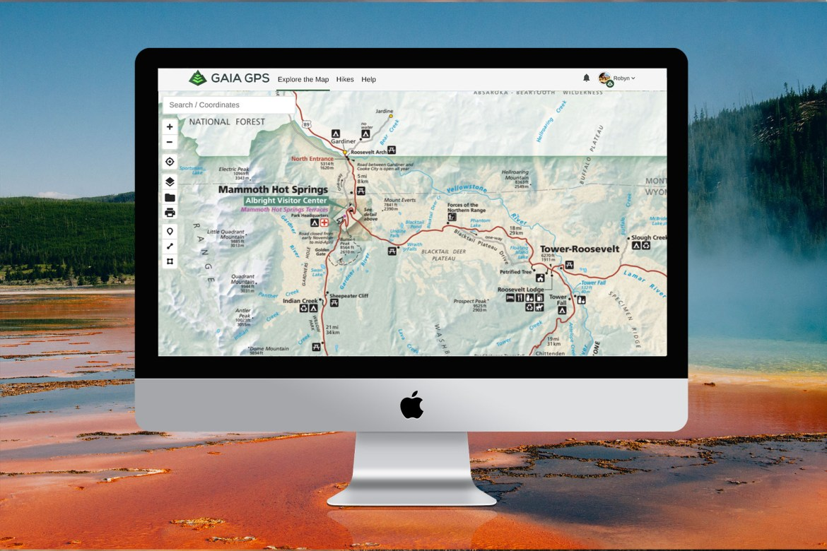 NPS Visitor layer displaying Mammoth Hot Springs road and routes.