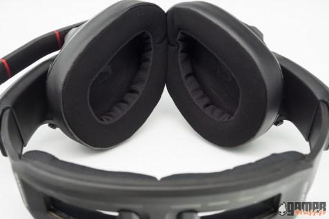 Les 2 matières habillant les mousses d'écouteurs