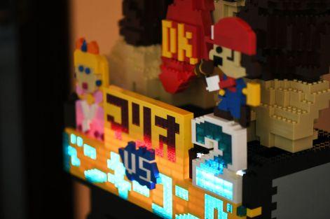 Borne arcade Donkey Kong en LEGO - Mario & Peach