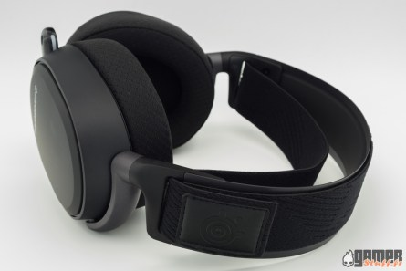 Steelseries-Arctis-Pro-Wireless-01