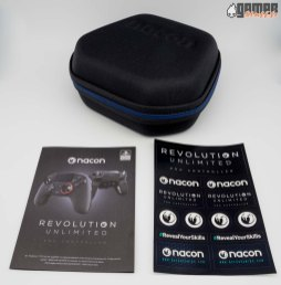Nacon-Revolution-Unlimited-unboxing-02