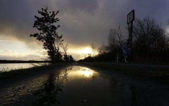 Inndamm, Kirchdorf, Lago
