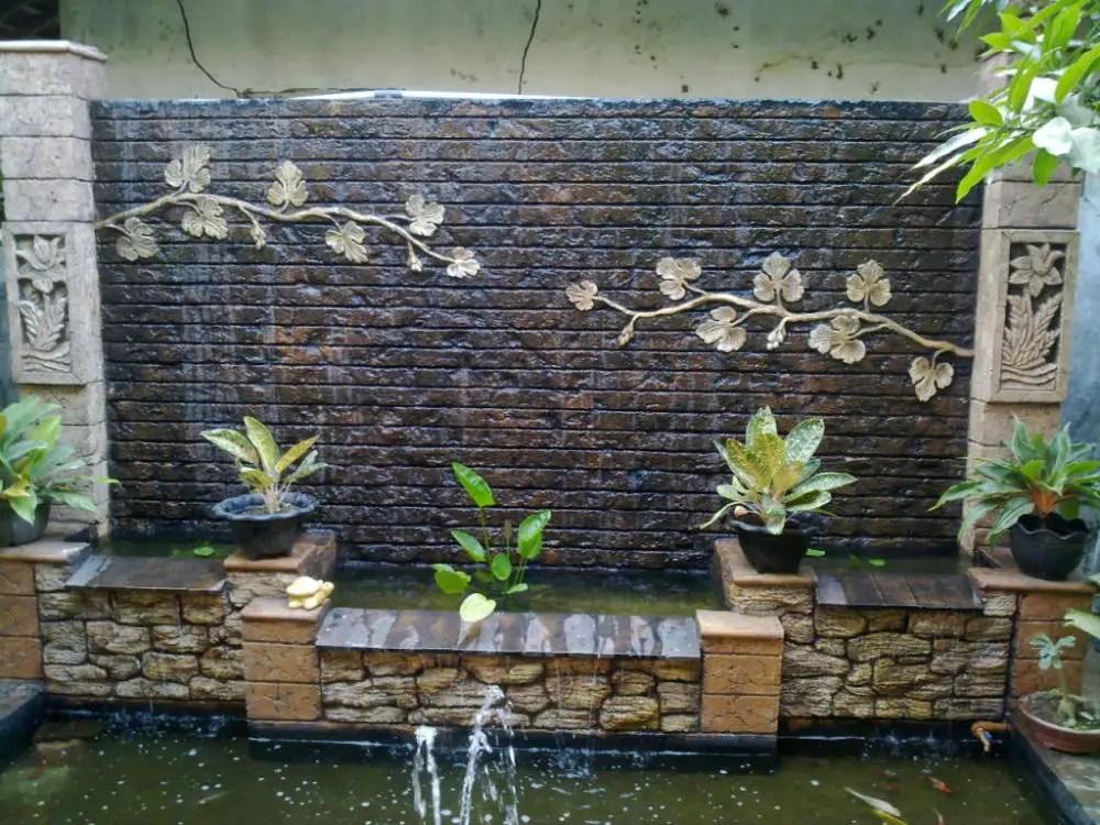 Spectacular Garden Water Wall Ideas - Garden Lovers Club on Backyard Feature Walls  id=70588