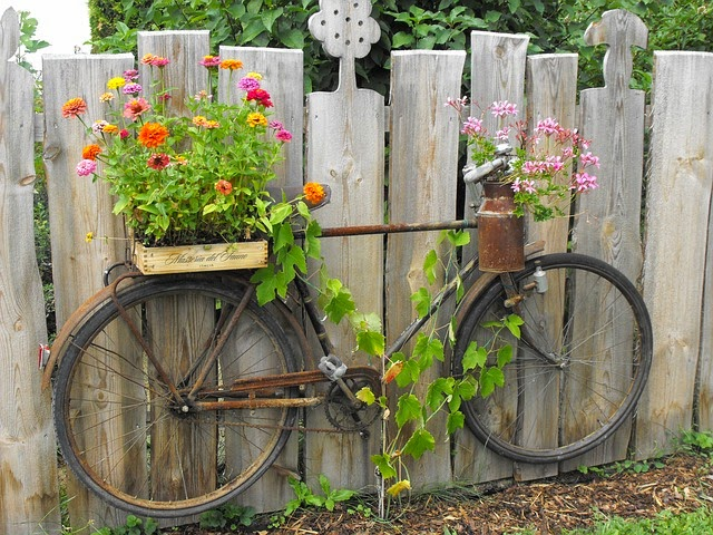 30 Mind-Blowing Bicycle Planter Ideas For Your Garden Or