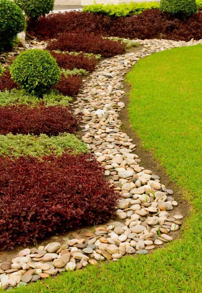 23 Super Cool Backyard Garden Ideas (PHOTOS) on Cool Backyard Decorations id=74383