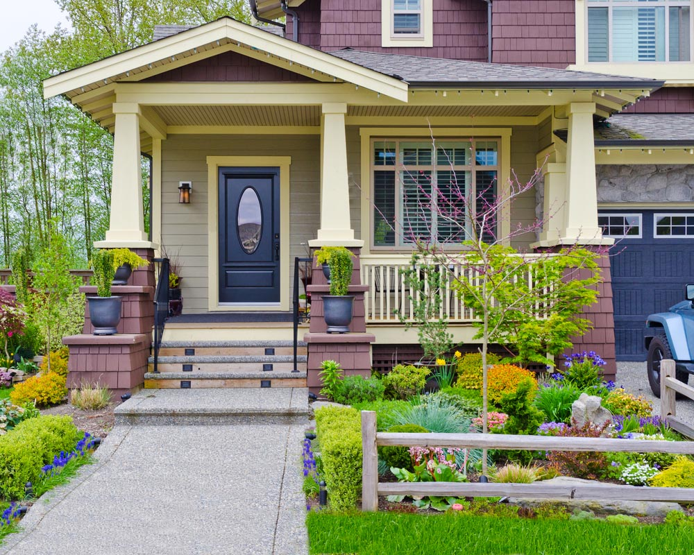 22 Appealing Front Yard Landscaping Ideas and Designs ... on Mansion Backyard Ideas id=96881