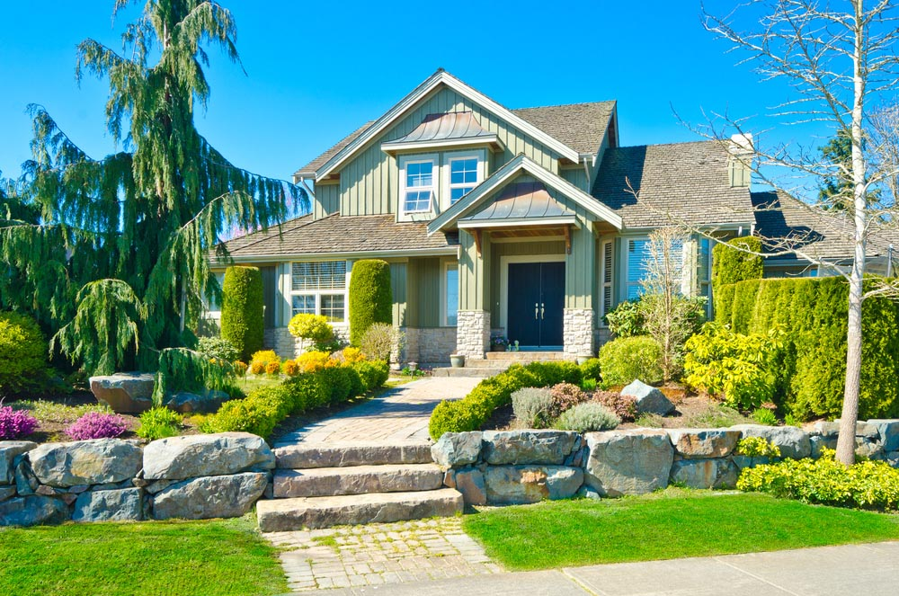 22 Appealing Front Yard Landscaping Ideas and Designs ... on Nice Backyard Landscaping Ideas id=46173