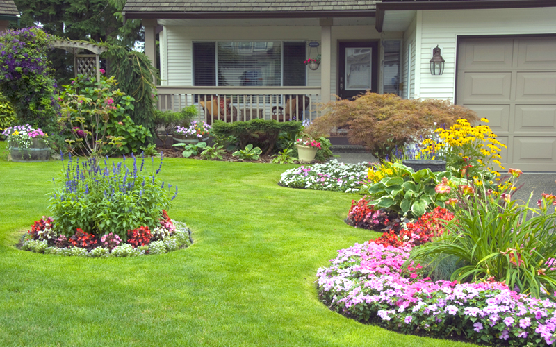 15 Landscaping Ideas for Front Yards - Garden Lovers Club on Front Yard Patio id=86105