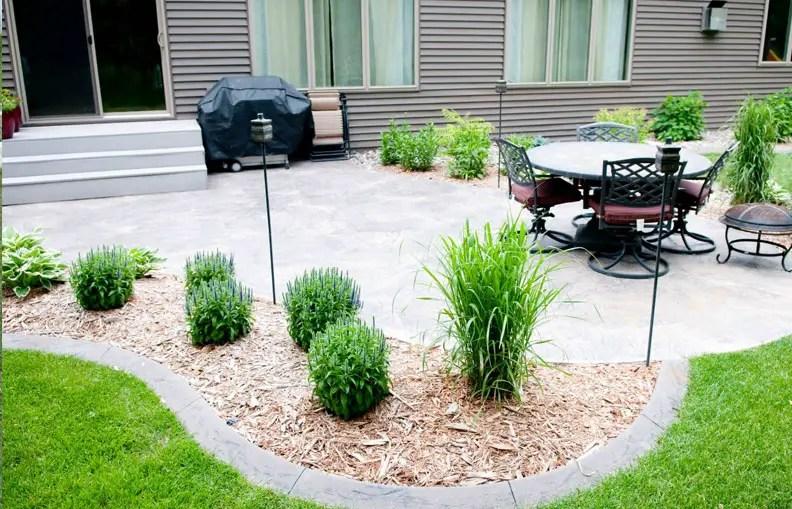 30 Brilliant Garden Edging Ideas You Can Do At Home ... on Backyard Border Ideas id=64589