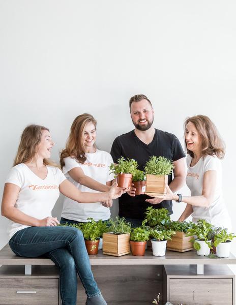 gardenuity team celebrating ag-day