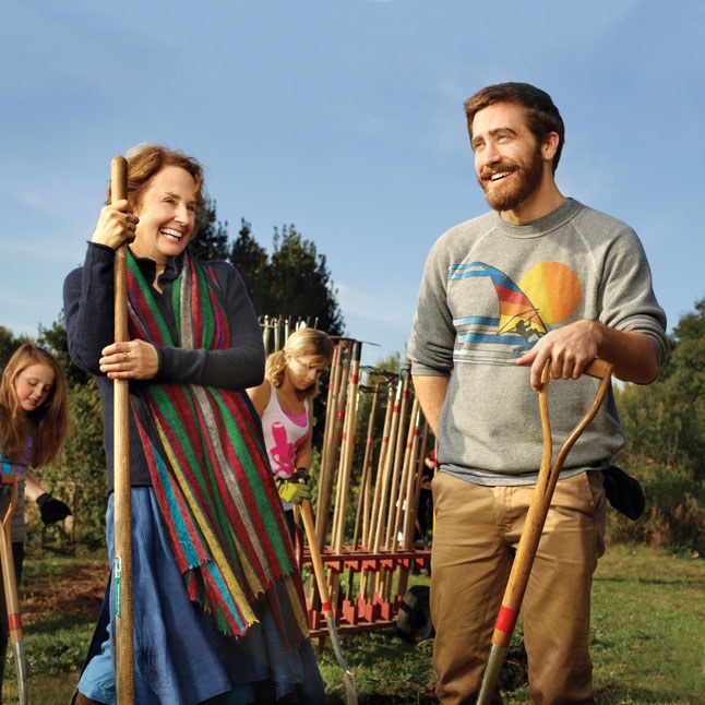 Jake-Gyllenhaal-gardening