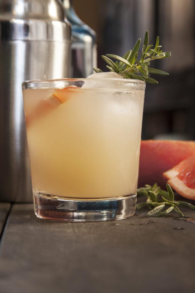 Sunset Rose Cocktail | Garden Inspired Cocktail Recipe