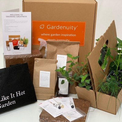 What's Included in the Hot Pepper Container Garden Kit