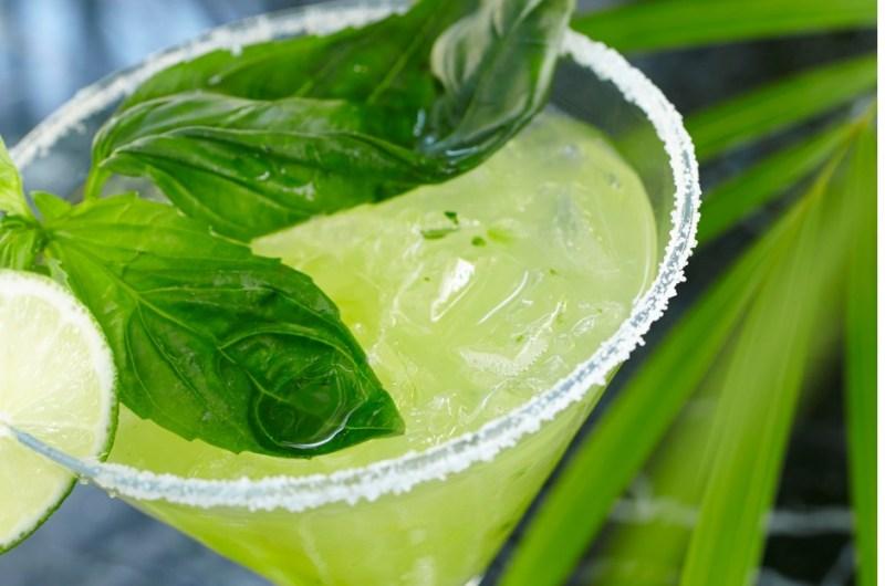 Fresh Basil & Lime Margarita Recipe