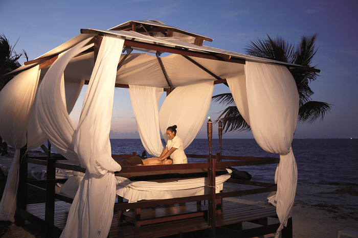 massage-on-the-beach