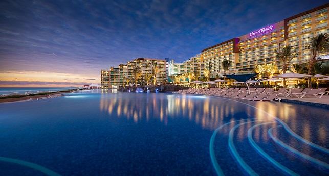 hard-rock-hotel-cancun-pool-to-building-shot1
