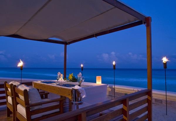 sandos_cancun_romantic_dinner-1