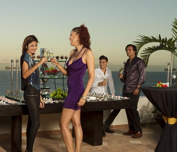 sandos_cancun_fun_terrace