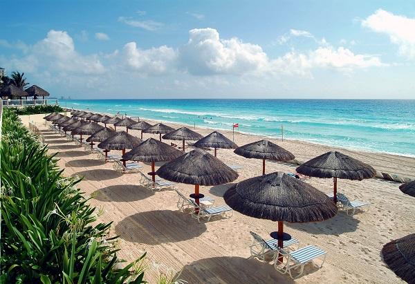 paradisuscancun-beach