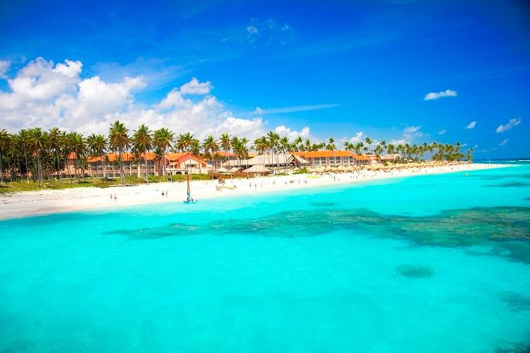 lateral_panoramic_beach_majestic_resorts