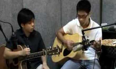 My redeemer lives: Guitar 201 – 2.06