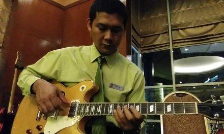 Blues lesson,by hendri dunan,jazz solo guitar