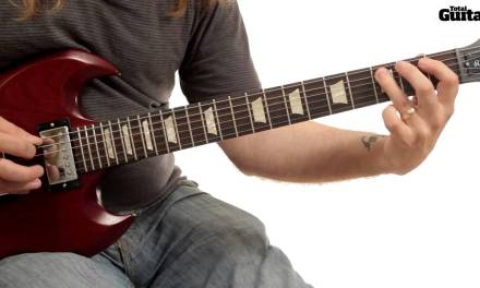 Guitar Lesson: Learn how to play Arctic Monkeys – Do I Wanna Know? (TG244)