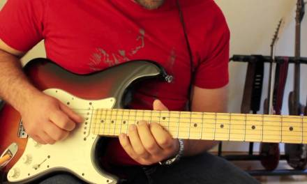 How to play Hold The Line Guitar Solo