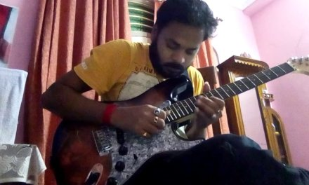 Blues guitar lesson by Ari Sengupta