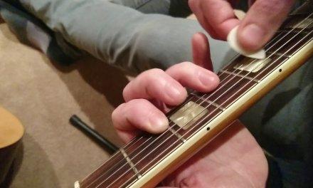 How to play : Basic 12 bar blues guitar lesson EASY tutorial – BEGINNER