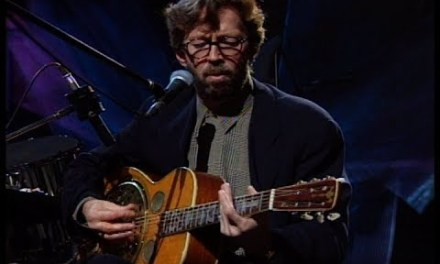 3 Acoustic Blues Licks Every Guitarist Must know (Eric Clapton Inspired)