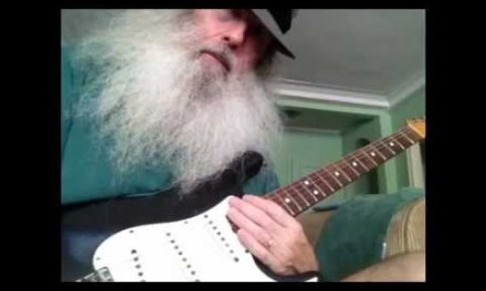 Guitar Lesson – Universal Boogie Lesson. Lookin good Too Messiahsez Shows You! How To Play Blues.