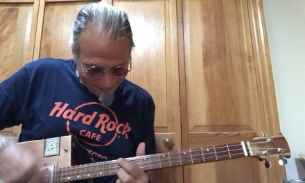 Nights in white satin lesson for 3 string Cigar Box Guitar