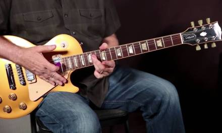 Amazing Blues Guitar Trick Lesson on How to Dance Between A7 & D7 Tim Pierce