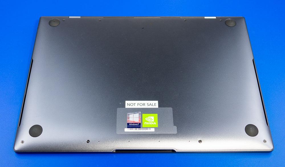 Die Unterseite des MateBook X Pro mit den Lüfterschlitzen