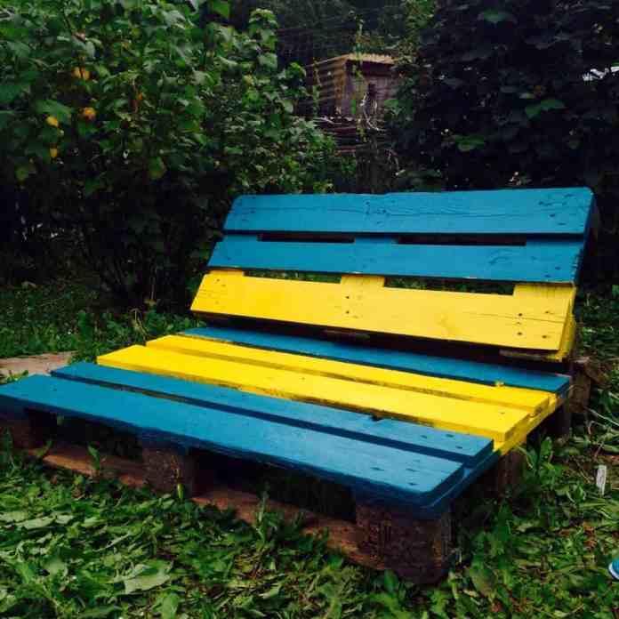 Kerti bútor raklapból