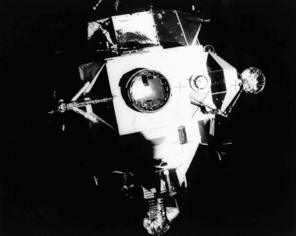 On This Day, Disaster Averted: Damaged 'Apollo 13 ...