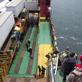 171124 プエルト・モンでフェリーを下船