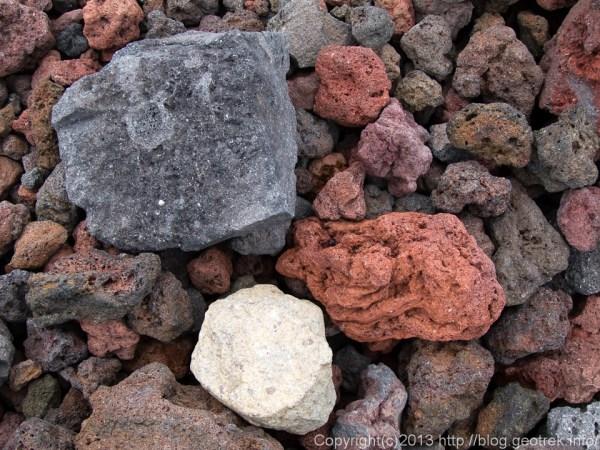 富士山3400m付近の石