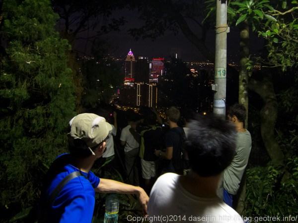 140913台湾、象山の賑わい