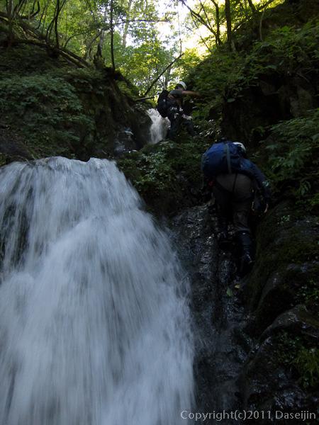 110918鷹ノ巣谷・小滝を越える