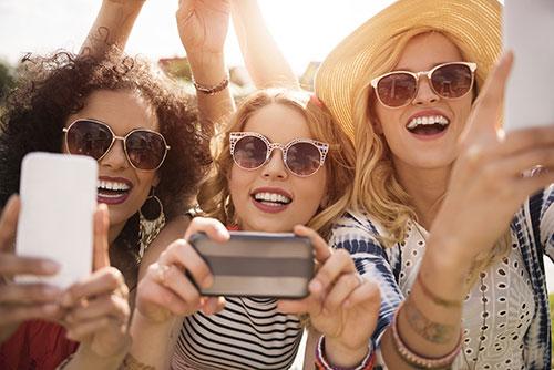 phone for selfie addict