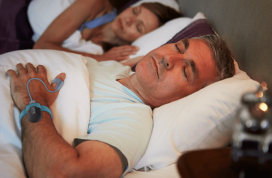 sleep with wrist oxygen monitors with alarms