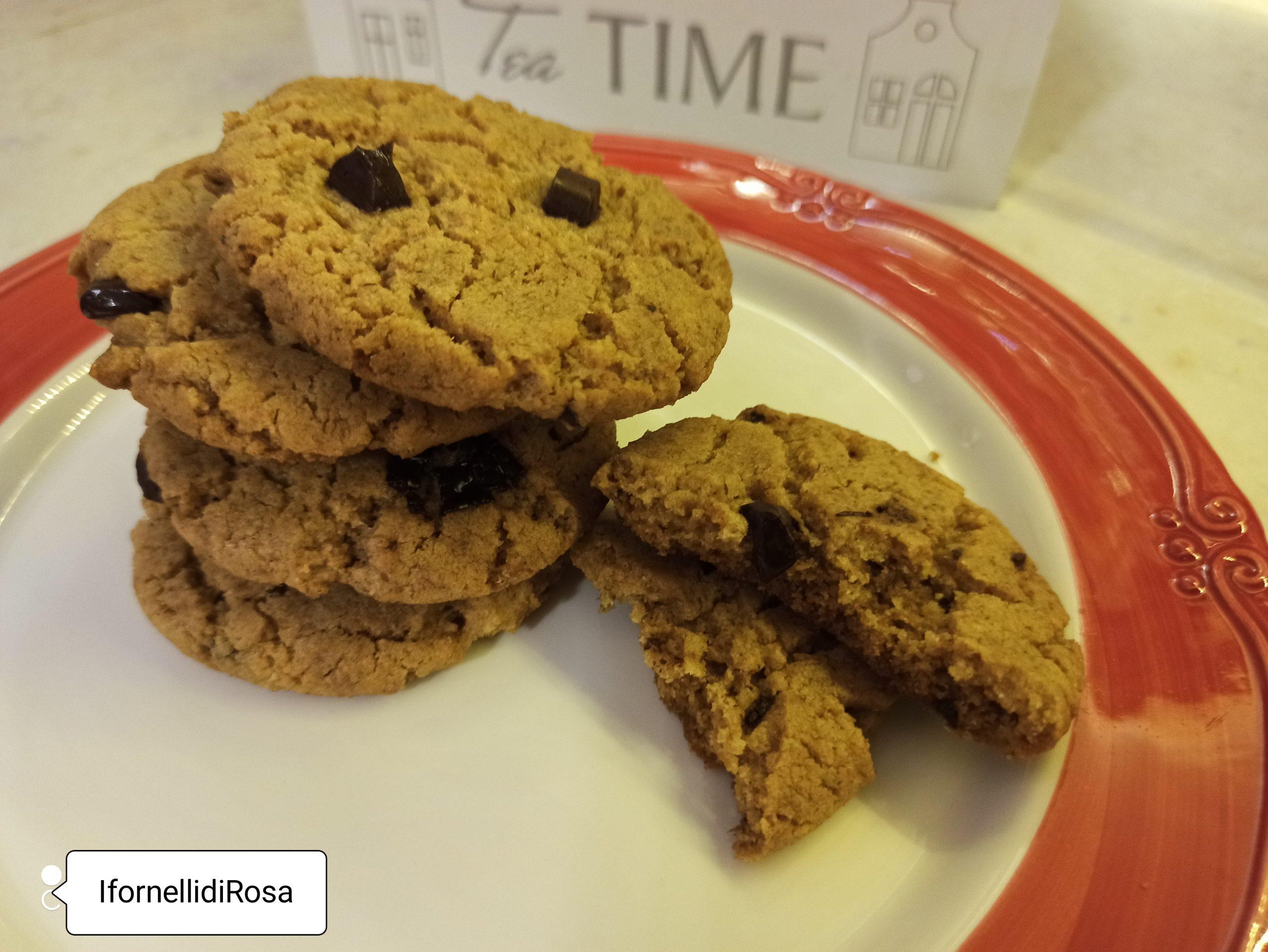 Biscotti integrali al cioccolato e burro di arachidi