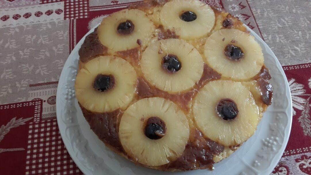 Torta rovesciata all'ananas e caramello