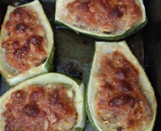 Zucchine ripiene di carne e pancetta