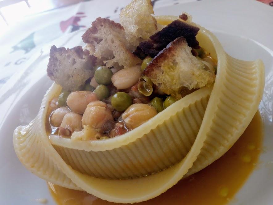 Caccavelle ripiene di zuppa di legumi