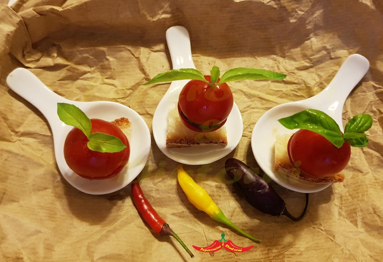 Pomodorini con Zucchine all'aglio ai 3 Peperoncini