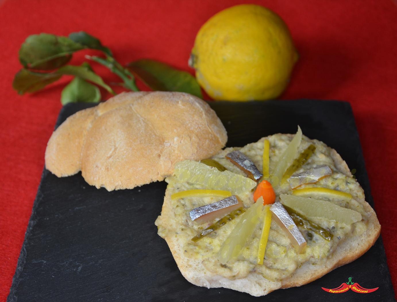 Panino con crema di Sgombro, Bergamotto e Peperoncino ciu ciu