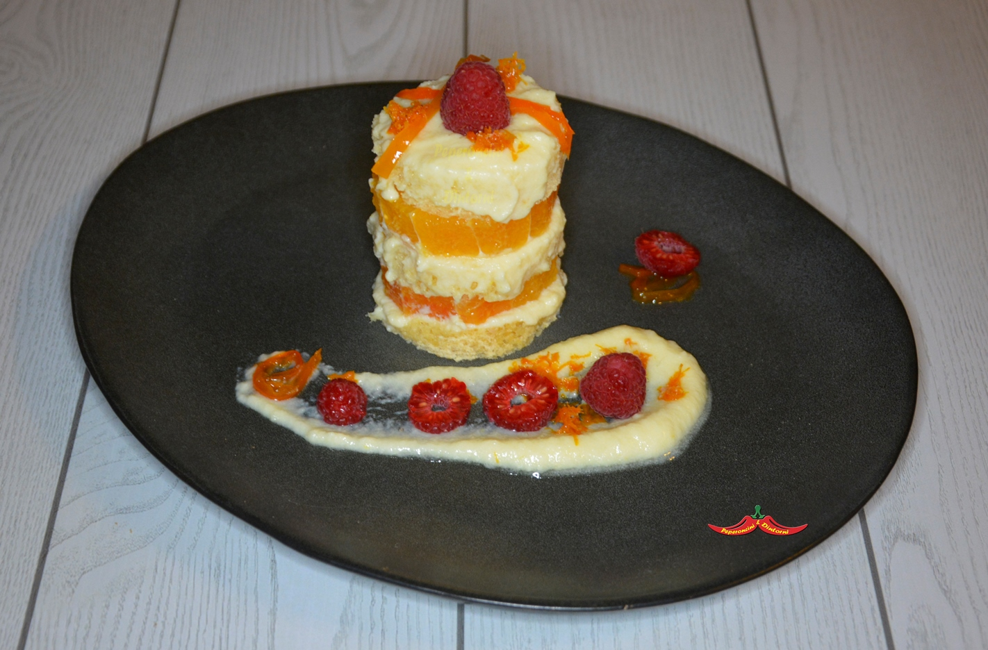 Pandoro, Arance, filetti di aji amarillo e Lamponi